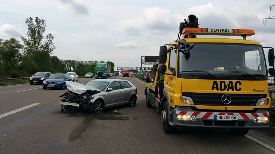 Unfall-Autobahn-2