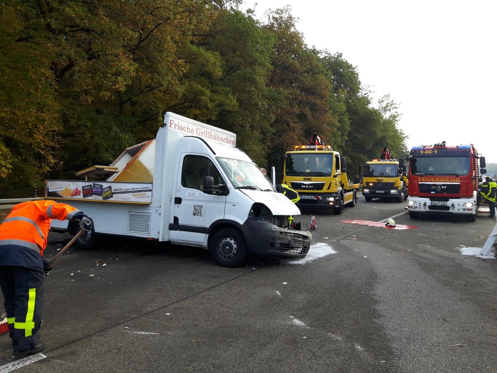 Unfall-Autobahn-Hähnchenwagen-2