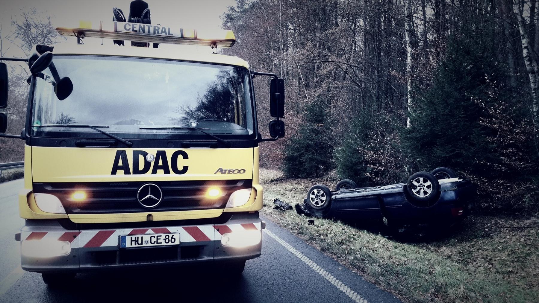 Unfall-Wald-Dach
